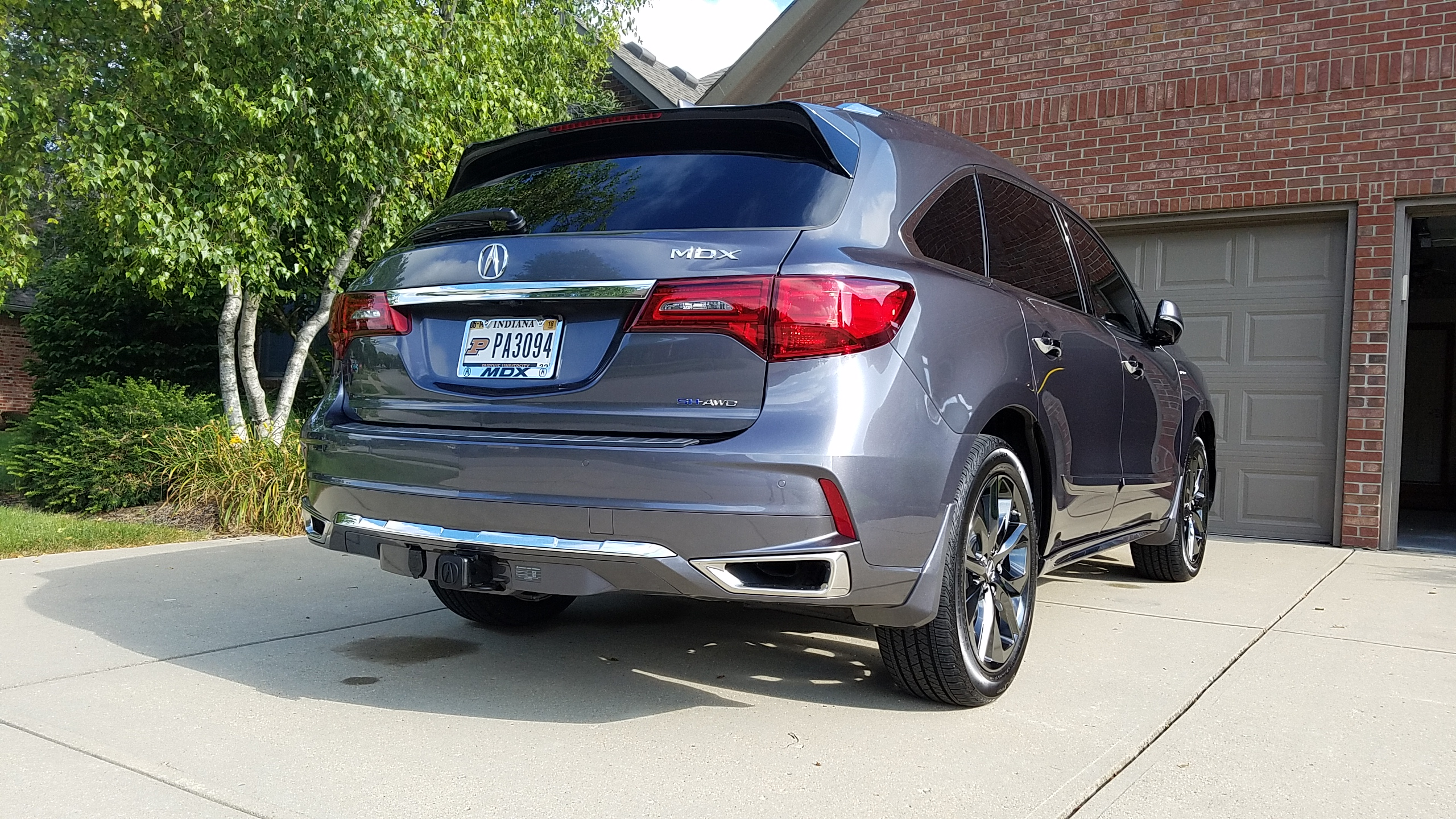 Hybrid With Tow Hitch And Painted Splash Guards Photos - Tow hitch for acura mdx