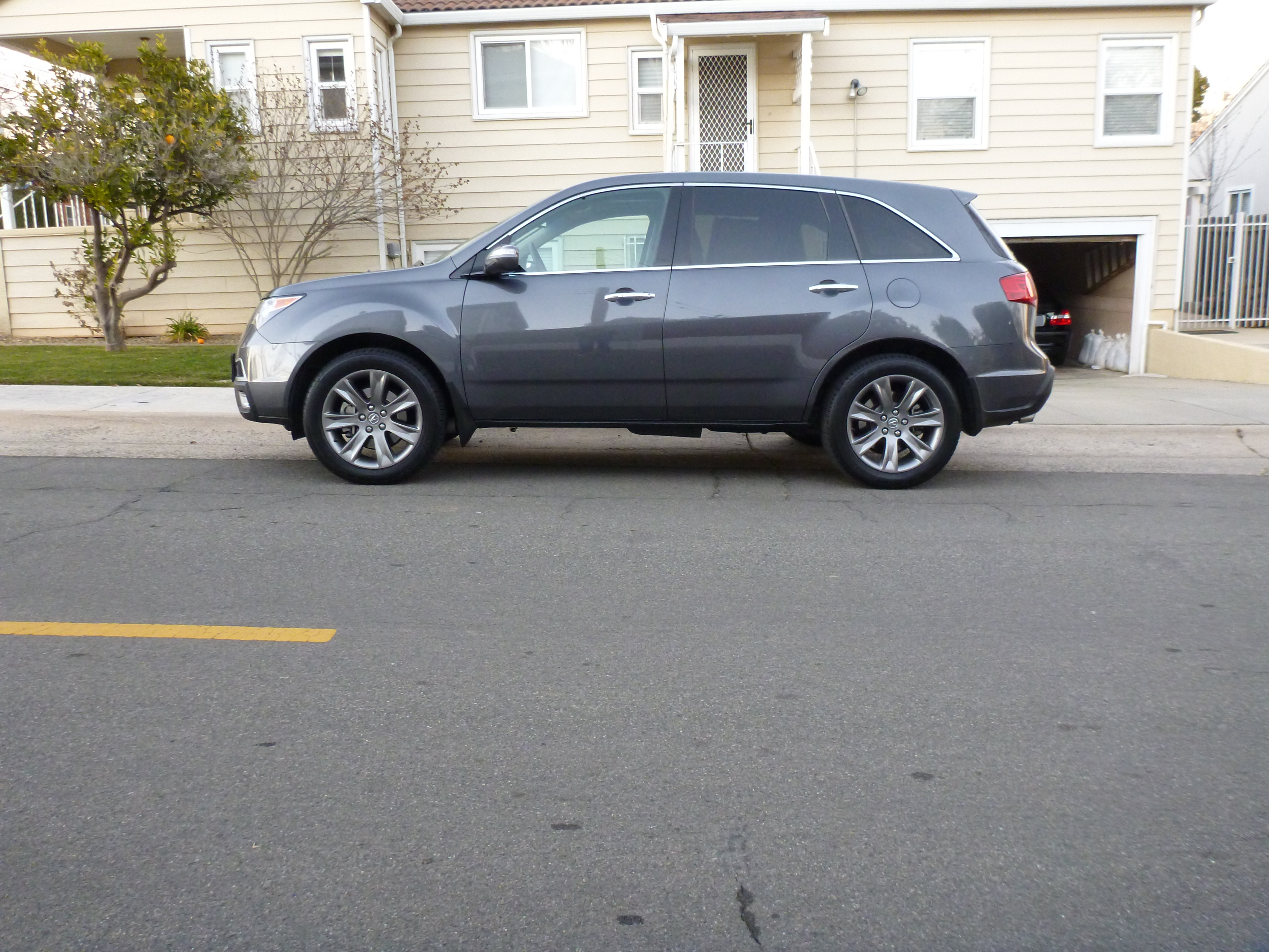 my new 2010 mdx advance!-side.jpg
