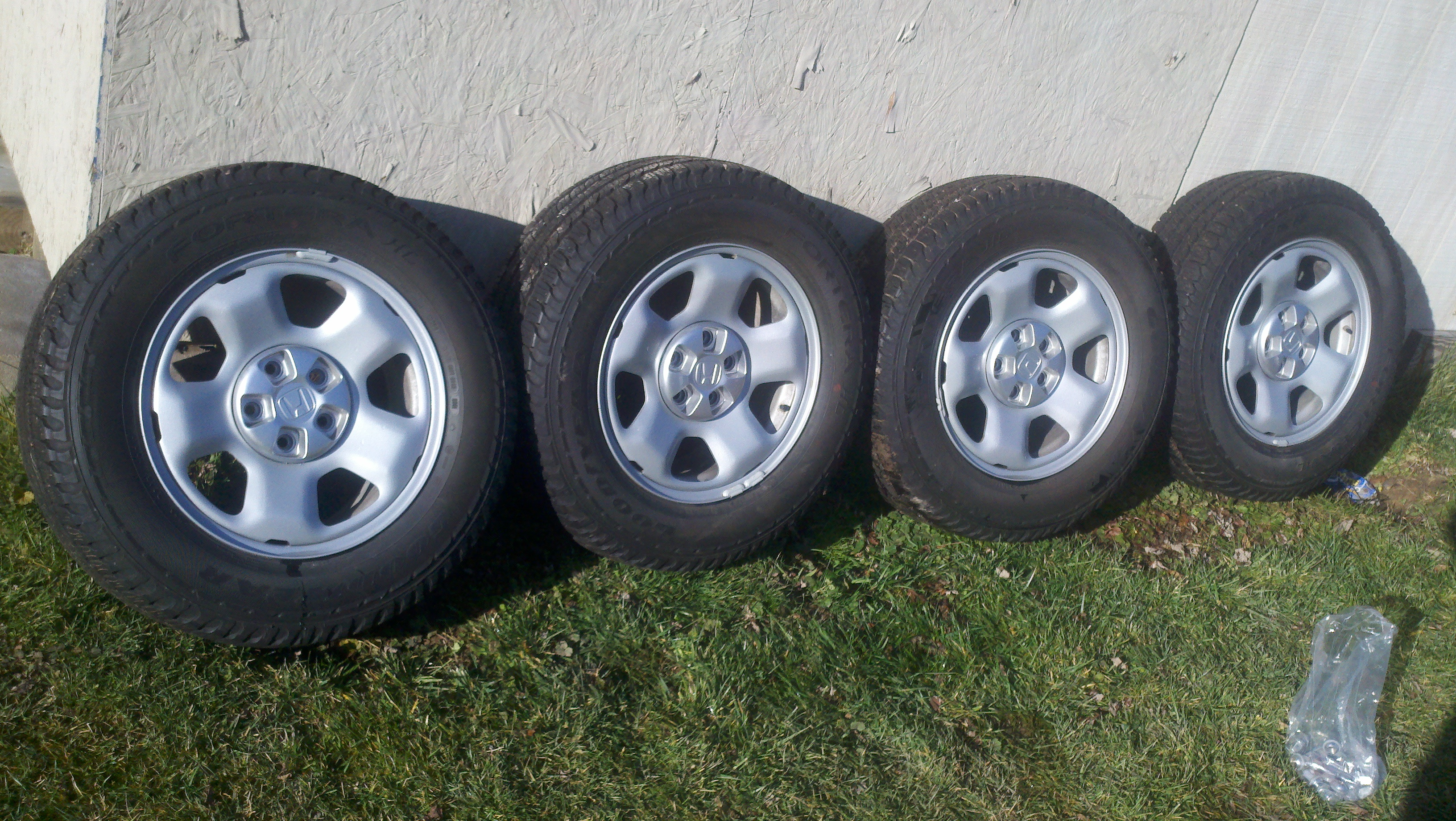 F/S  2011 Honda Pilot LX steel wheels-tires-4.jpg